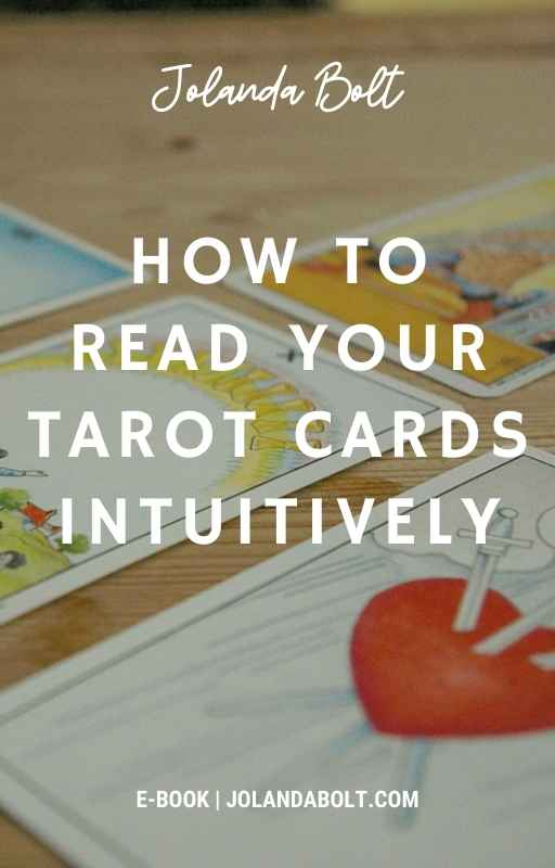 How to read tarot cards intuitively (free download)